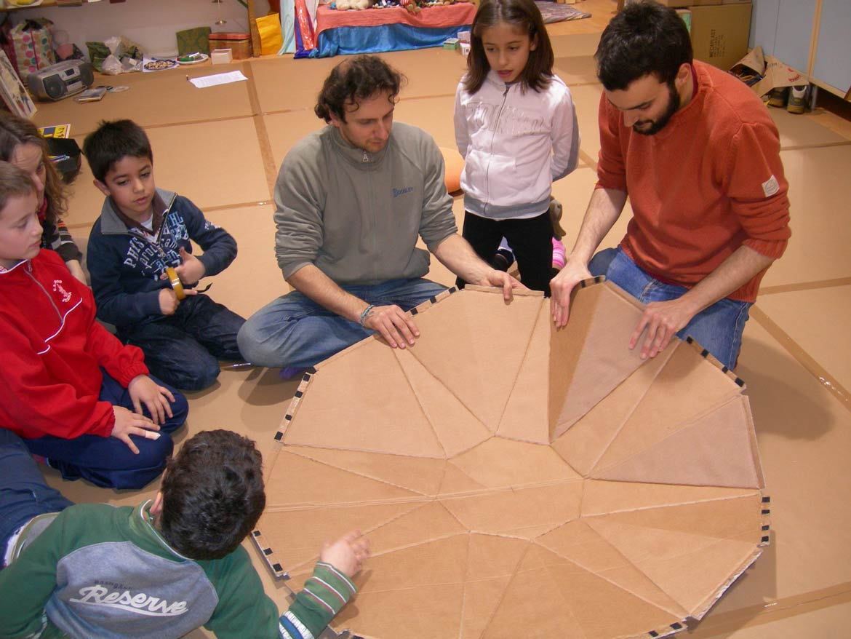 gruppo-ingegneria-bambini-sgabello-aperto